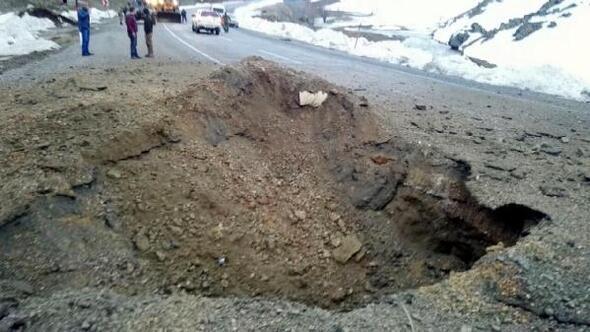 Bitliste yol kenarında bulunan 500 kiloluk patlayıcı imha edildi