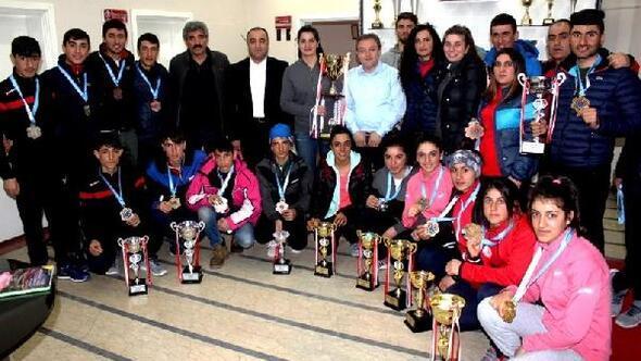 Ağrılı kayakçılar, K1de Türkiye şampiyonu oldu