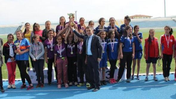 Kırıkkaleli gençler atletizm de kıyasıya mücadele etti