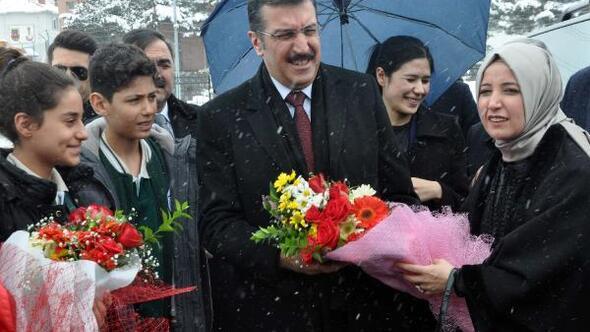 Gümrük ve Ticaret Bakanı Tüfenkçi Bitlis'te