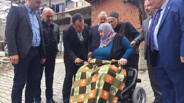 Kaymakam Karacandan 2 engelliye akülü araç