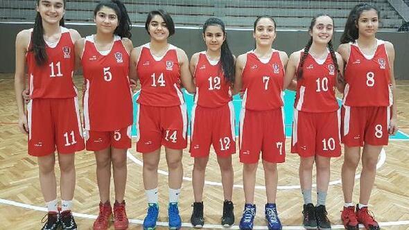 AGÜ Spor alt yapısından 8 sporcu milli takım kampında