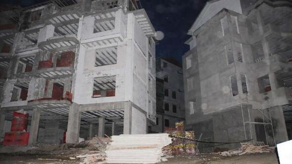 İnşaatın çatısından düşen işçi öldü