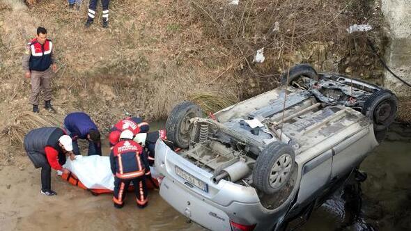 Dereye uçan otomobilin sürücüsü öldü