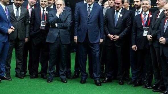 Ek fotoğraflar // Cumhurbaşkanı Erdoğan 2. Futbol Zirvesinde konuştu