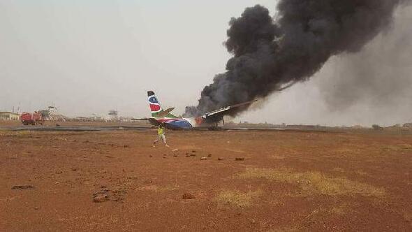 Güney Sudanda yolcu uçağı düştü