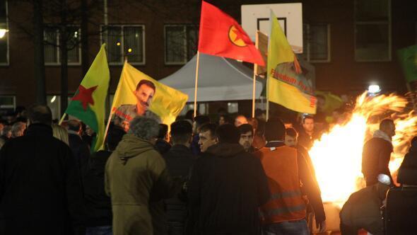 Hollanda, terör örgütü PKKnın gösterisine izin verdi