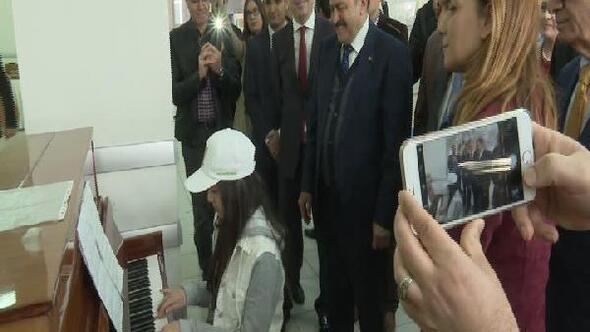 Fotoğraflar // Bakan Eroğlu: (Almanya) İnşallah yakında bütün gazeteler Türkçe basılır