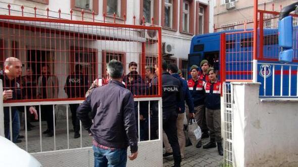 Uşak merkezli 19 ilde FETÖ'cü 15 kişi tutuklandı
