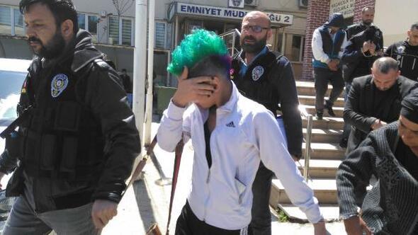 'Yeşil saçlı kız'a uyuşturucu gözaltısı