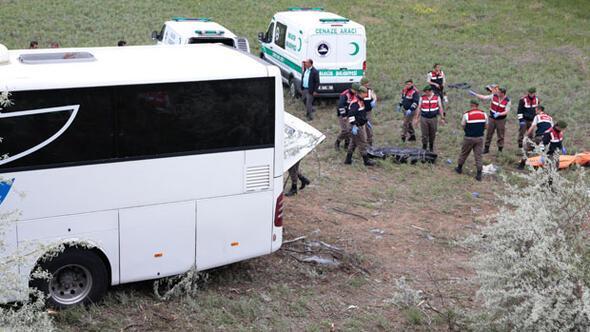 Son dakika.. Ankara yakınlarında yolcu otobüsü devrildi: 8 ölü, 32 yaralı