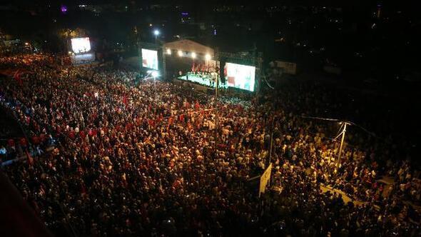 Binlerce Antalyalı darbeye karşı yürüdü - Ek fotoğraflar (2)