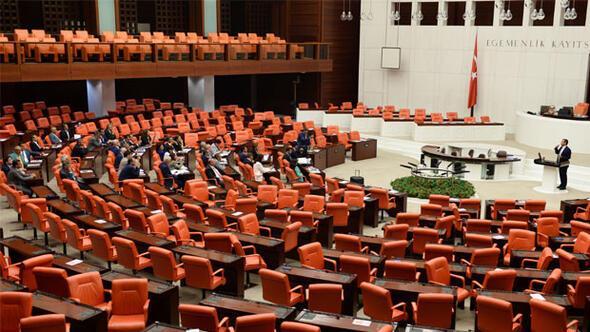 CHPden protesto: Sabaha kadar Mecliste kalacaklar...
