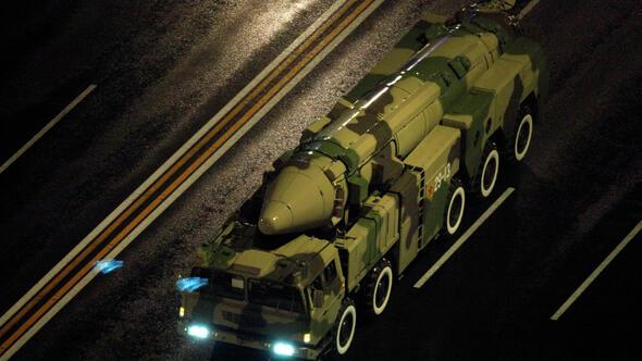 Çin ordusundan yeni model balistik füze