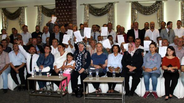 Afyonkarahisar'da, MHP'den 300 istifa