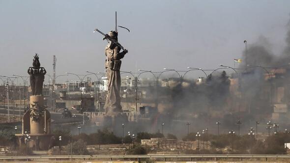 Dev peşmerge heykeli ateşe verildi