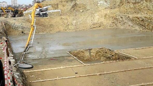 Beton ölen başına beton pompası düşen inşaat işçisi öldü