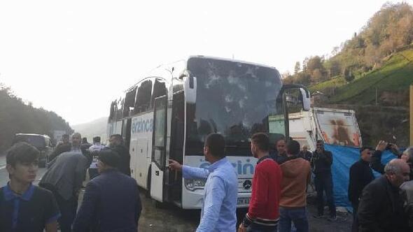 Artvin Hopaspor otobüsüne taşlı saldırı