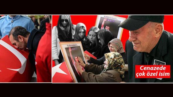 Naim Süleymanoğlunun cenazesinde çarpıcı an... Efsane son yolculuğuna uğurlandı