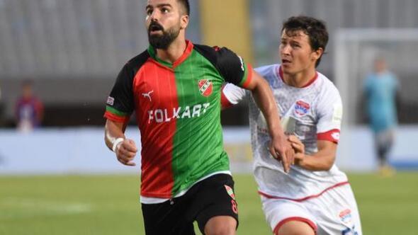 Karşıyaka'da Mustafa Aşan, Can, Abdülhamit ve Erhan'dan sonra Mahmut da alacakları için kulübe Türkiye Futbol Federasyonu (TFF) kanalıyla ihtar çekti.