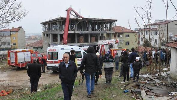 Beton pompası inşaata devrildi, 1 kişi öldü