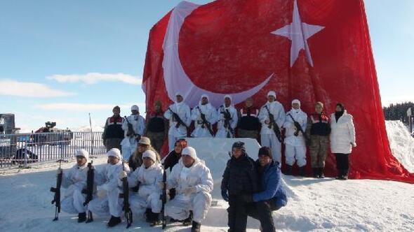 Sarıkamiş Haberleri: Şehit Mehmetçiklerin kardan heykellerine yoğun ilgi 99