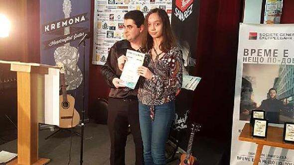 Geleceğin gitaristi Bulgaristan'dan ödülle döndü ile ilgili görsel sonucu