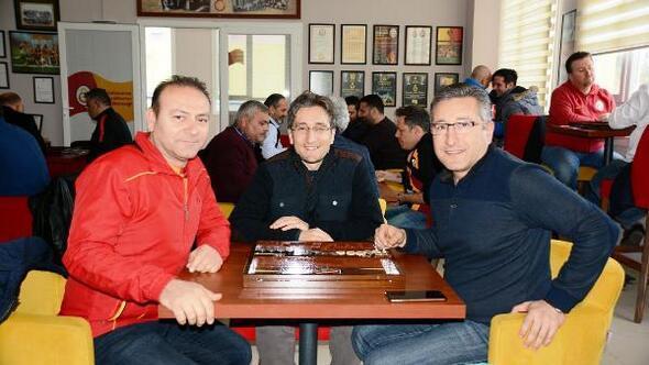 Galatasaraylılar Kuşadasında tavla turnuvasında buluştu