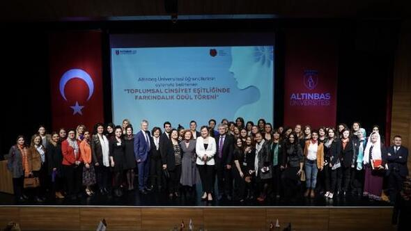 """Türkiye'de ilk kez """"Toplumsal Cinsiyet Eşitliğinde Farkındalık ödülleri verildi"""