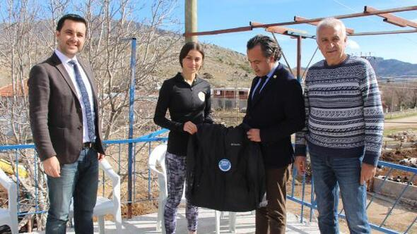 Balkan şampiyonu Yasemin Zengine destek