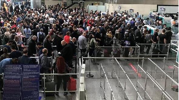 Istanbul Haberleri Atatürk Havalimanında Polnet Arızası Pasaport