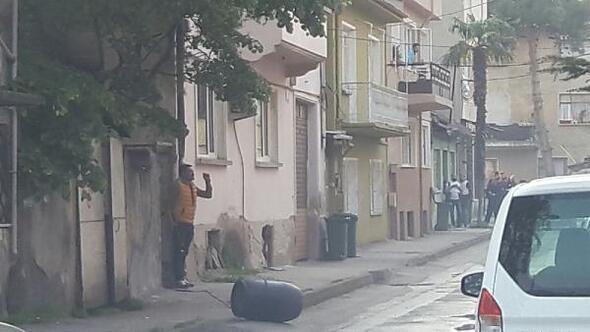 Pazarda 2 kişiyi vurdu, evde yangın çıkarıp, 1 kişiyi rehin aldı (2)