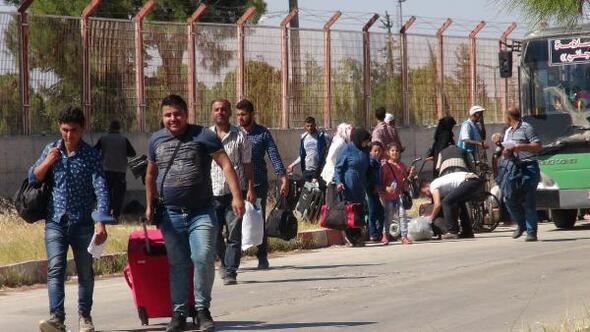 Bayramı ziyaretine giden 40 bin Suriyeli geri döndü ile ilgili görsel sonucu