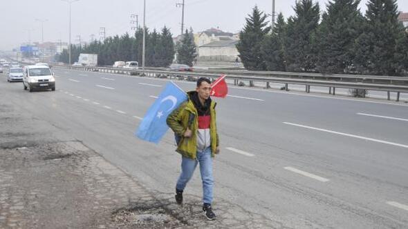 Doğu Türkistan için İstanbuldan Ankaraya yürüyor