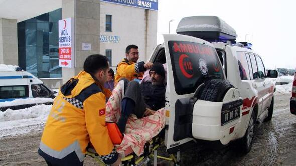KOAH hastası paletli ambulansla hastaneye sevk edildi