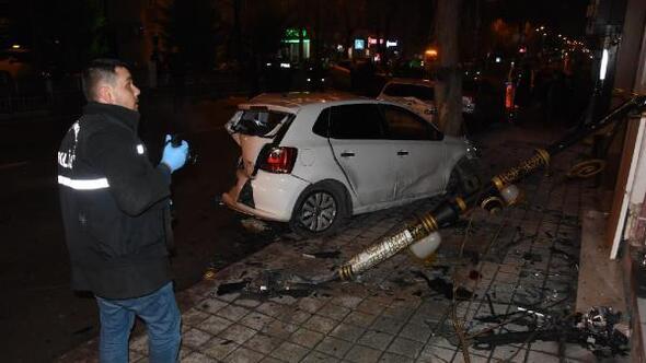 Alkollü sürücü park halindeki 4 araca çarptı