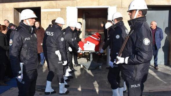 Beyin kanaması geçiren polis memuru hayatını kaybetti