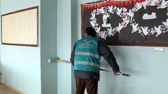 Yozgat Haberleri: Yozgatta denetimli hükümlüler okul boyadı 1