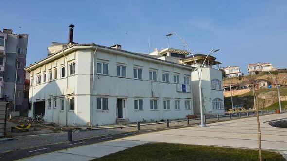 Geliboluda eski Kıyı Emniyeti binası belediyeye devredildi