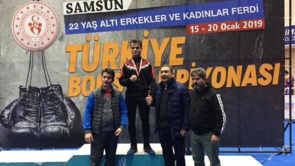 Boks şampiyonasında Türkiye üçüncüsü oldu