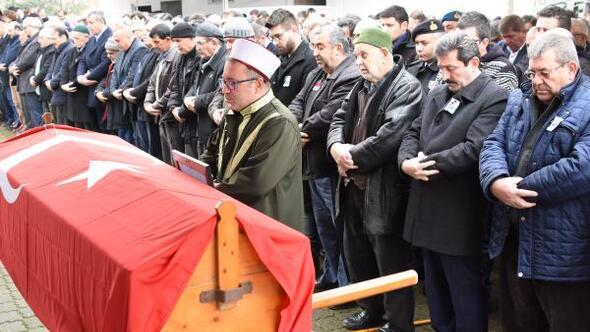 Kerç Boğazı'ndaki gemi yangınında ölen Semih Solak toprağa verildi