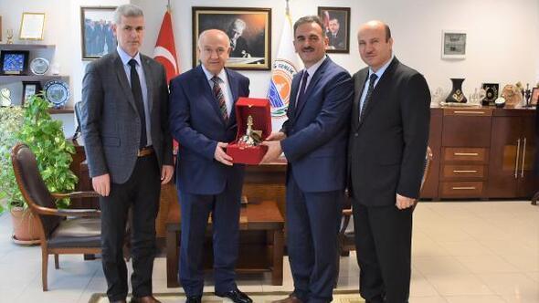 Kaymakam Karakuş'tan, Başkan Yılmaz'a veda ziyareti