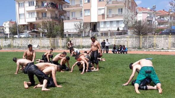 Güreşçiler Kumlucaya hazırlanıyor