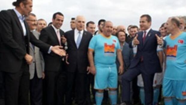 İstanbul Merkezefendi stadı açıldı