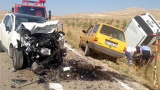 Antalya'da trafik kazası: 5 ölü, 7 yaralı