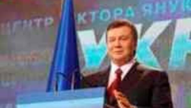 Yanukoviç Turuncu Devrim'in intikamını alıyor