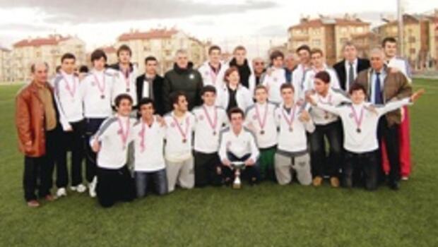 Türkiye Şampiyonası'nda zafer Kadıköy Lisesi'nin