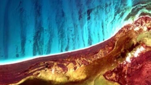 Uzaydan bakıp uyardı: Dünya alarm veriyor