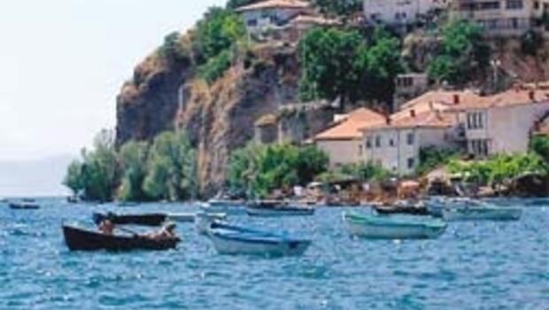 Ohrid Gölü'nün suyu gözyaşı kadar duru