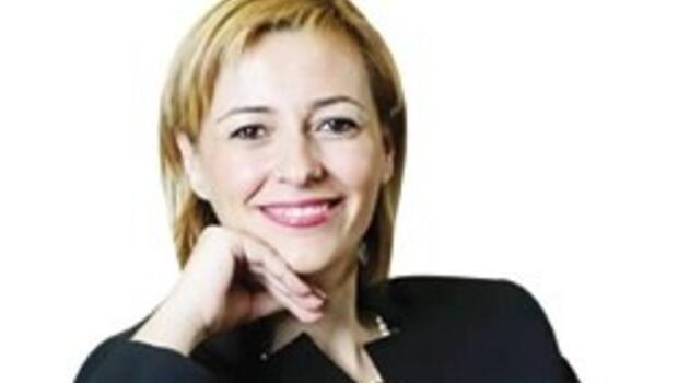 Özlem Erçelen'in eşinden duygu yüklü ölüm ilanı